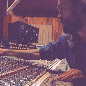 alex-studio-400x400-js
